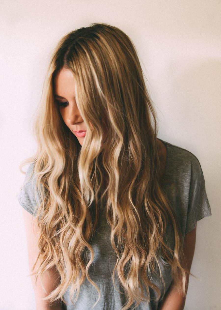 Beachy Waves Tutorial - Barefoot Blonde by Amber Fillerup Clark