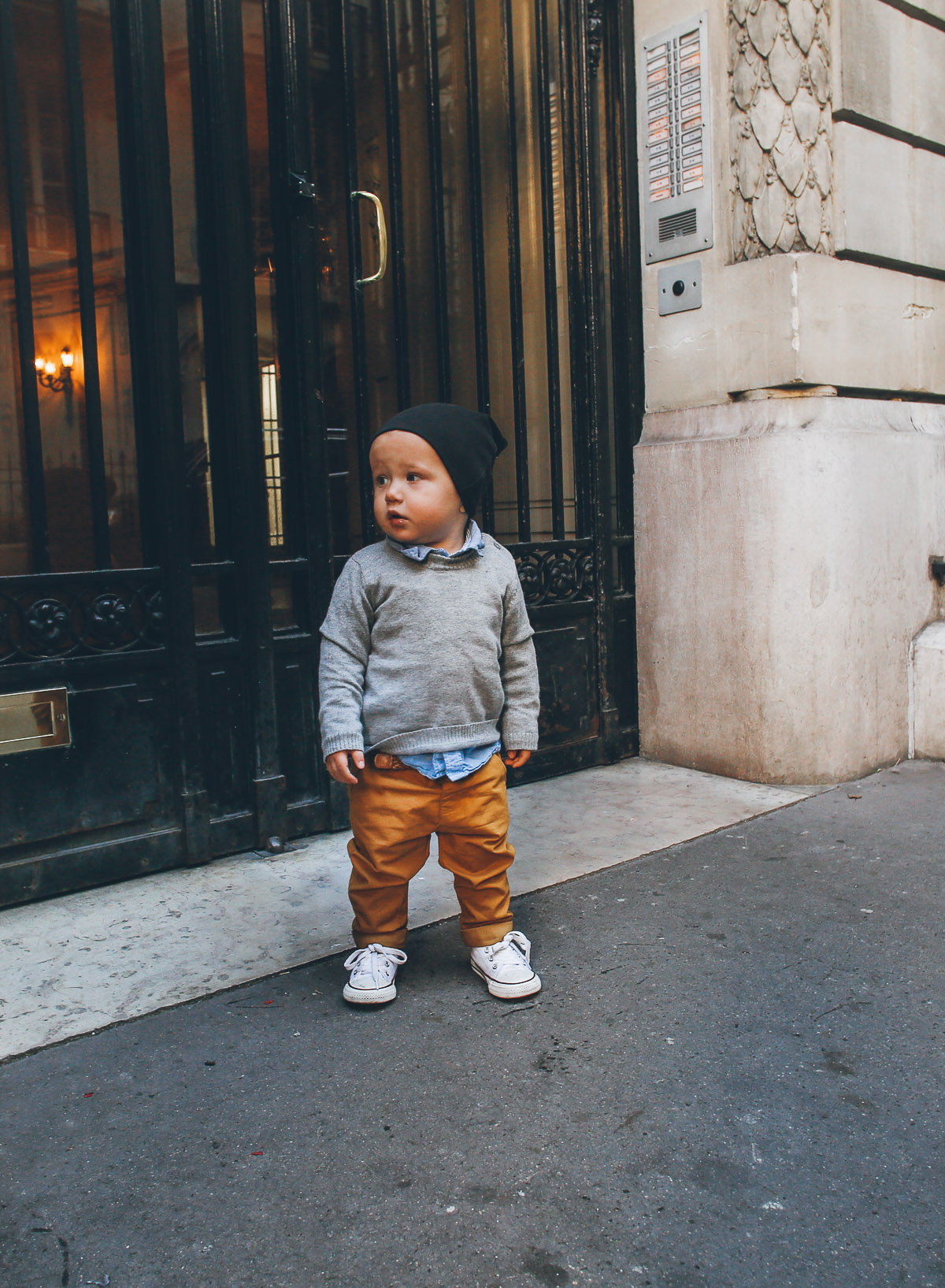 Barefoot Blonde Atticus in Paris
