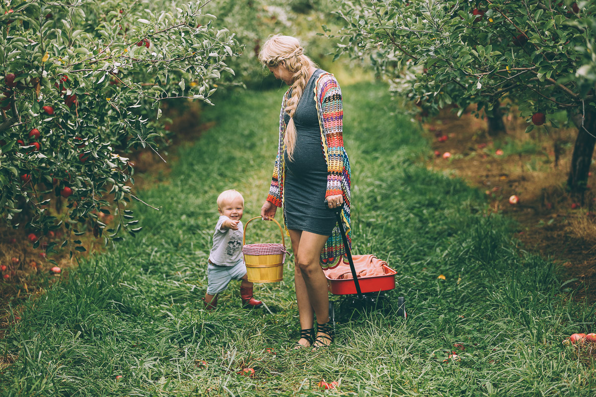 Barefoot Blonde apple picking