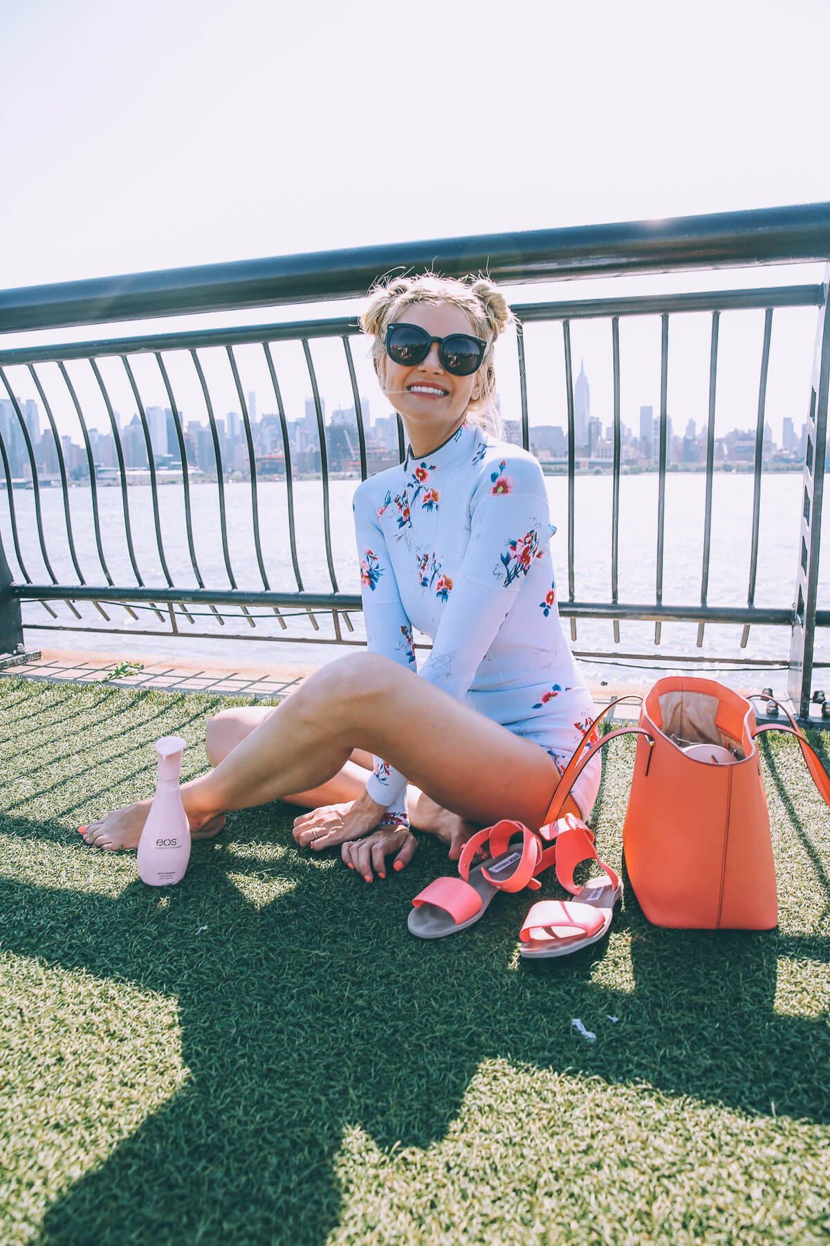 Barefoot Blonde Amber Fillerup and Eos on the Hudson